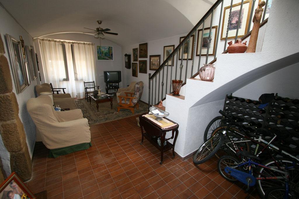 Ref. 81 – Casa al centre del poble