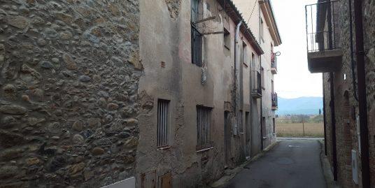 Ref. 73 – Casa de poble per restaurar